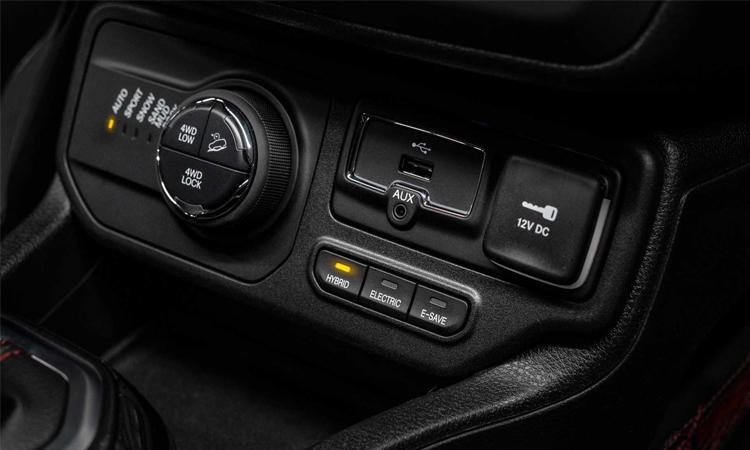 ปุ่มควบคุม Jeep Renegade PHEV