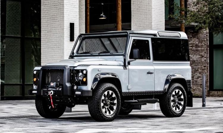 Land Rover Defender Blackcom