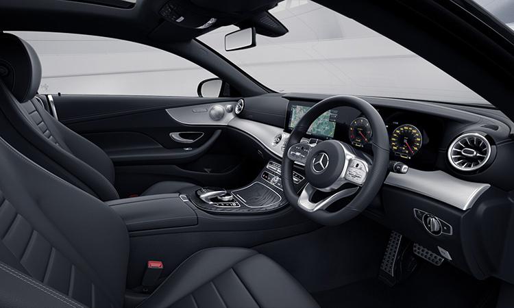 ภายใน Mercedes-Benz E200 Coupé AMG Dynamic 2020