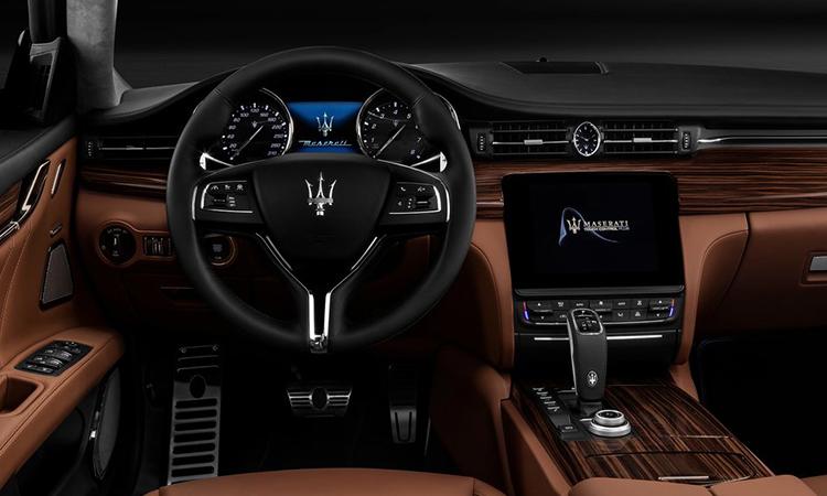 ภายใน Maserati Quattroporte