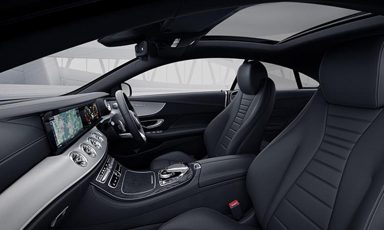 ดีไซน์ภายใน Mercedes-Benz E200 Coupé AMG Dynamic 2020