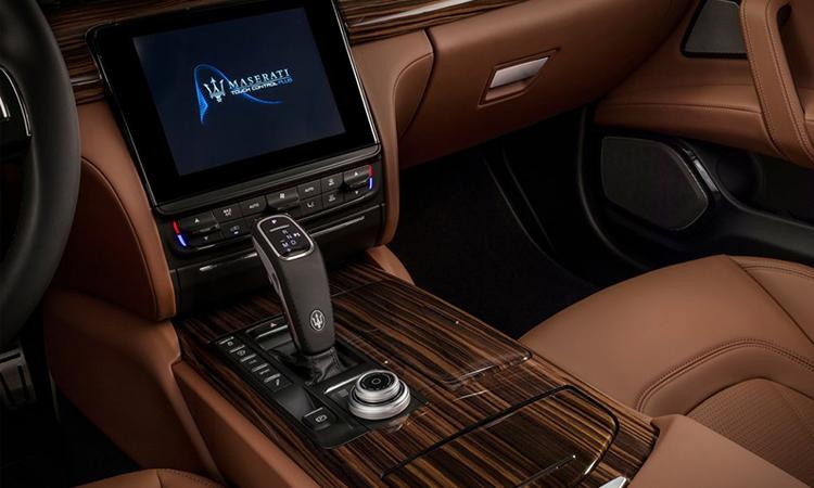 เกียร์ Maserati Quattroporte