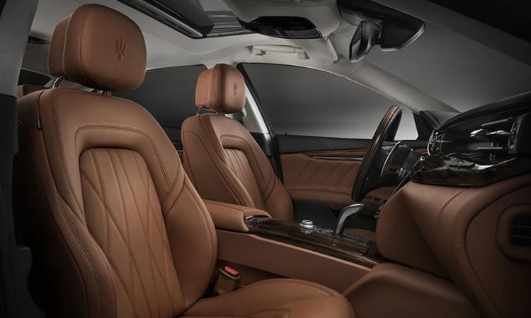 เบาะคู่หน้า Maserati Quattroporte