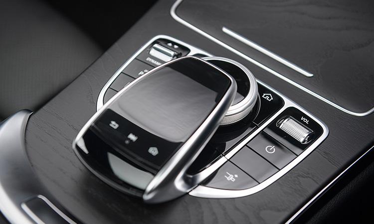 ปุ่มคบคุม Mercedes-Benz C 200 Coupe' 2020
