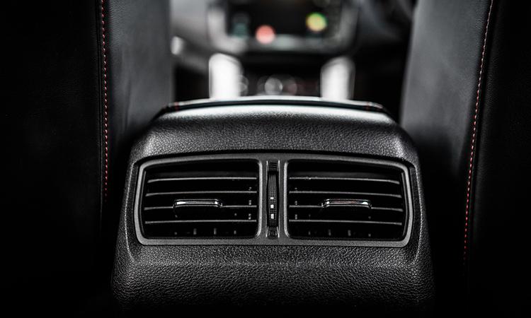 ช่องแอร์ด้านหลัง MG Extender Double Cab