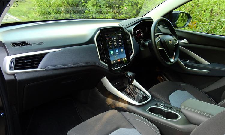 ภายในห้องโดยสาร Chevrolet CAPTIVA 1.5 TURBO LS 5