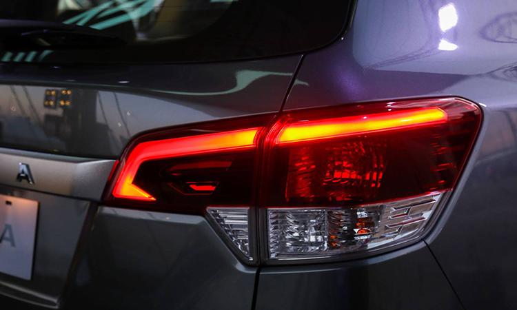 ไฟท้าย Nissan TERRA