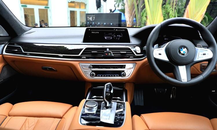 ภายใน BMW 745Le xDrive M Sport