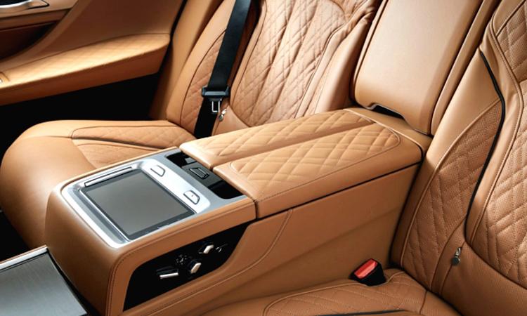 เบาะผู้โดยารหลัง BMW 745Le xDrive M Sport