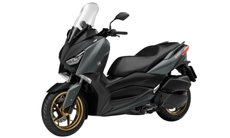 Yamaha XMAX 300 สีเทา