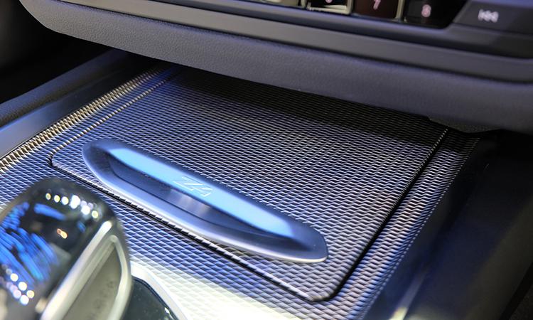 ช่องเก็บของ BMW Z4 M40i