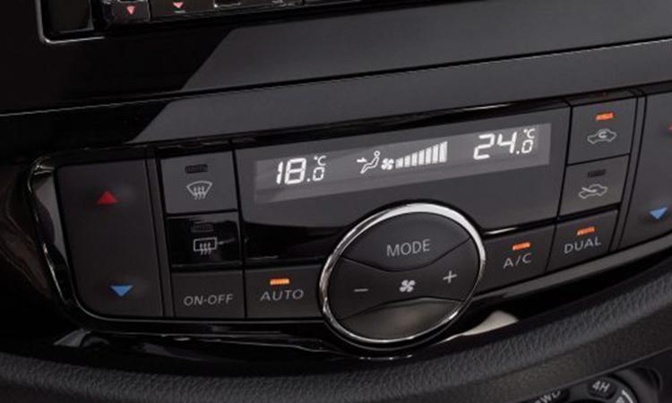 ปุ่มควบคุม Nissan TERRA