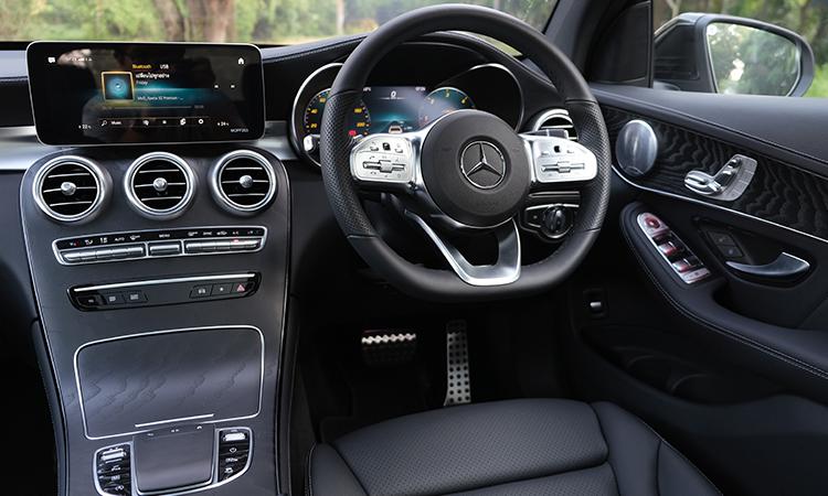 พวงมาลัย Hybrid Mercedes-Benz GLC 300e Plug-in