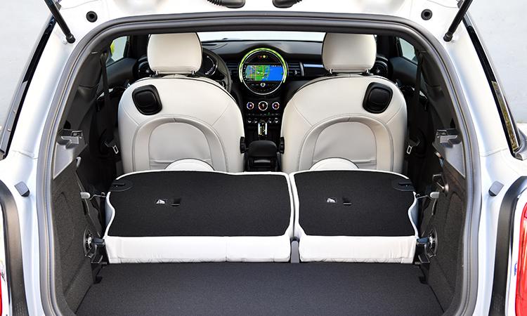 พื้นที่เก็บของด้านหลัง MINI Cooper SE