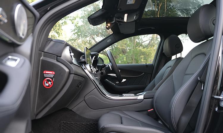 ด้านใน Hybrid Mercedes-Benz GLC 300e Plug-in
