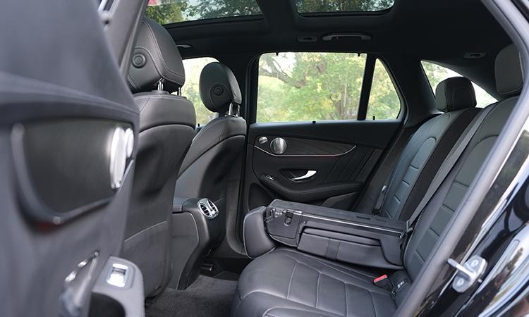 เบาะหลัง Hybrid Mercedes-Benz GLC 300e Plug-in