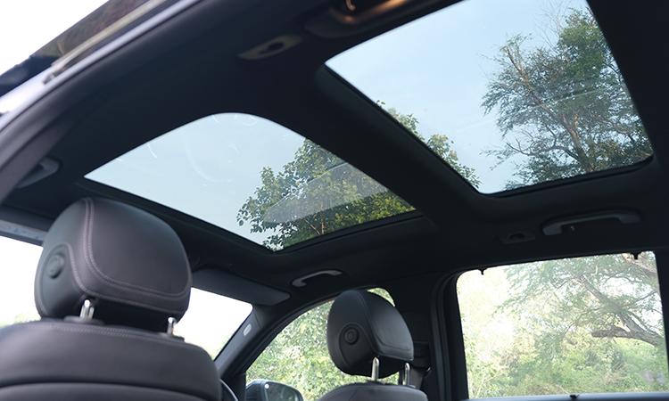 ดีไซน์หลังคาซันรูฟ Hybrid Mercedes-Benz GLC 300e Plug-in