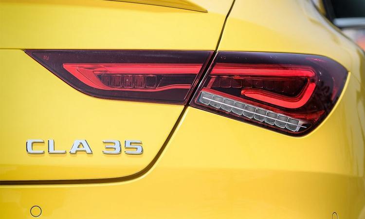 ไฟททท้าย Mercedes-AMG CLA 35 4MATIC
