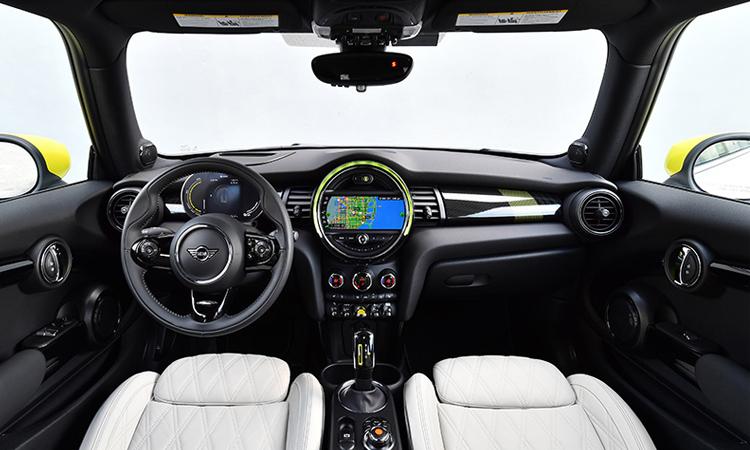 ภายใน MINI Cooper SE