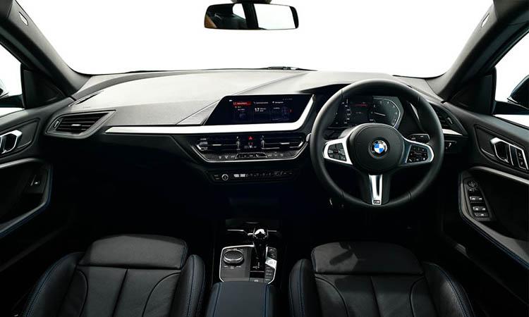 ภายใน BMW 218i Gran Coupe'