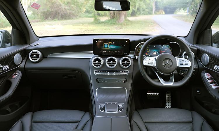 ภายใน Hybrid Mercedes-Benz GLC 300e Plug-in