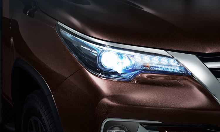 ราคา ตารางผ่อนดาวน์ Toyota Fortuner ปี 2020-2021 2