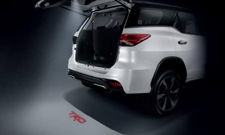 ราคา ตารางผ่อนดาวน์ Toyota Fortuner ปี 2020-2021 18