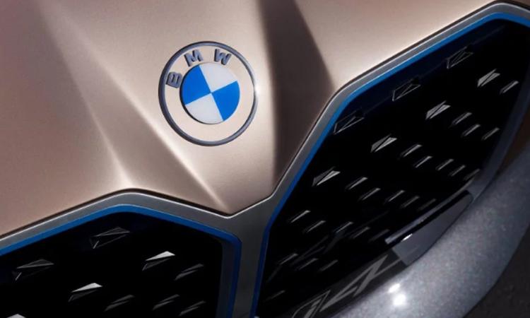 โลโก้ BMW ใหม่