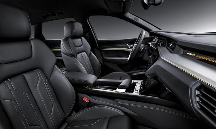 เบาะหน้า Audi e-tron