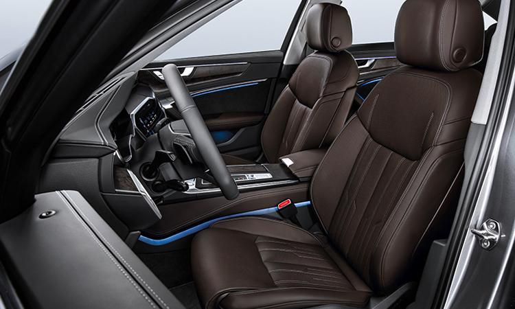 ดีไซน์เบาะหน้า Audi A6 Sedan