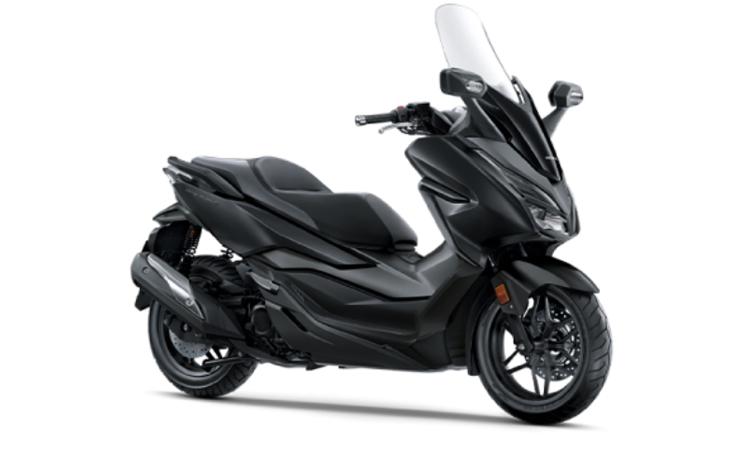 Honda Forza 300 สี ดำ