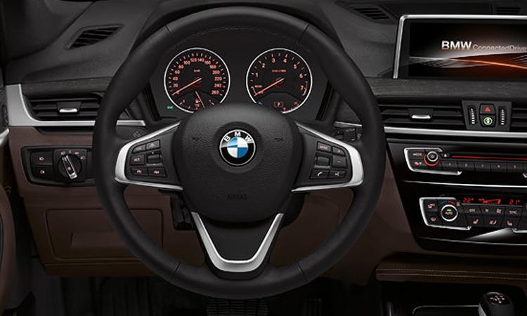 พวงมาลัย BMW X1