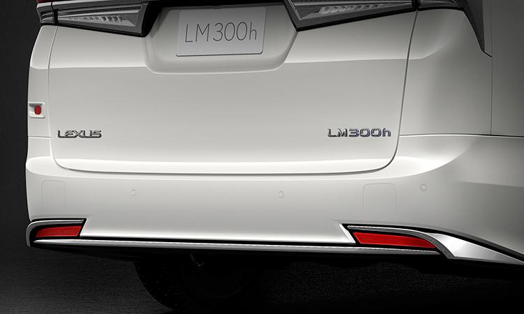 กันชนด้านท้าย Lexus LM 300h