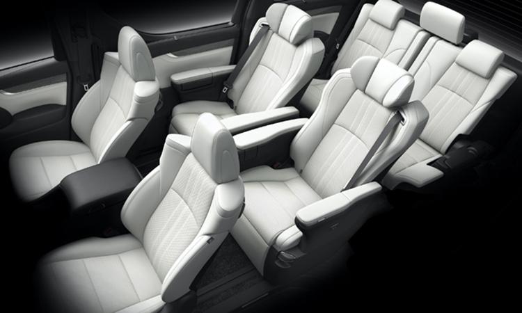 ภายในLexus LM 300hแบบ 7 ที่นั่ง