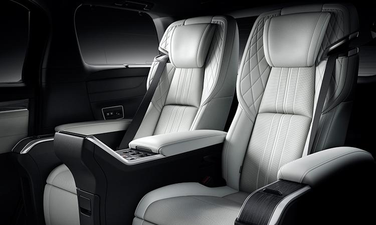 ดีไซน์เบาะ Lexus LM 300h