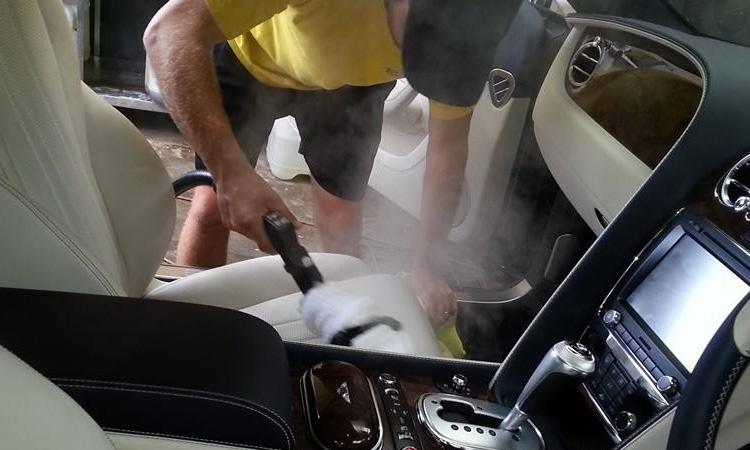1. พ่นยาฆ่าเชื้อในรถยนต์