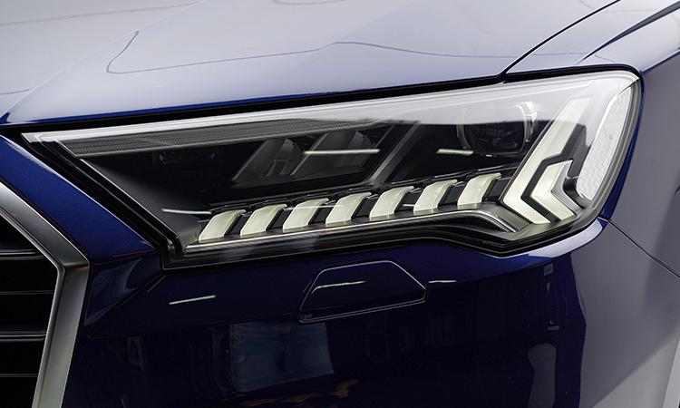ไฟหน้า Audi Q7 Minorchange 45 TDI quattro
