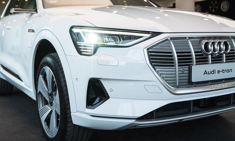 ไฟหน้า Audi e-tron