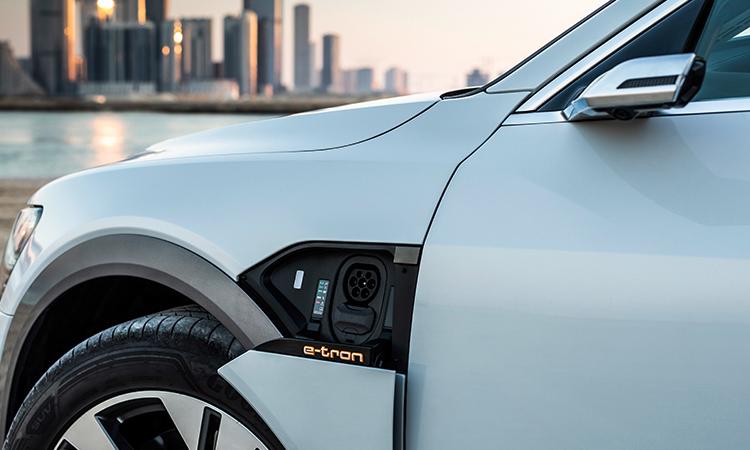ช่องชาร์จไฟ Audi e-tron