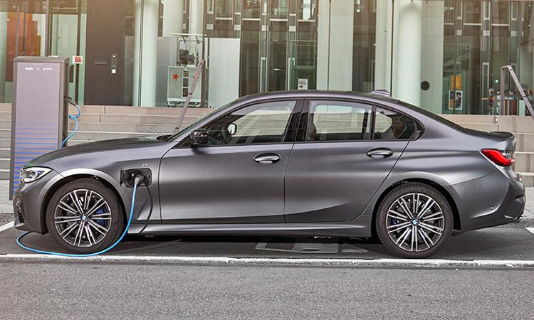 BMW 330e M Sport (Plug-in Hybrid)
