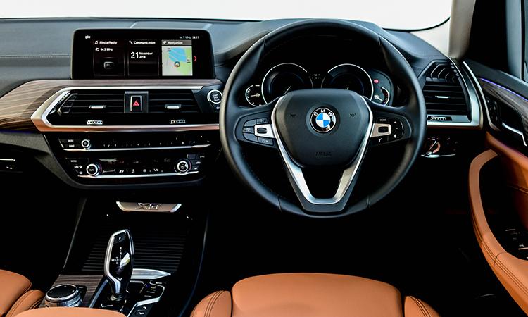 ดีไซน์พวงมาลัย BMW X3