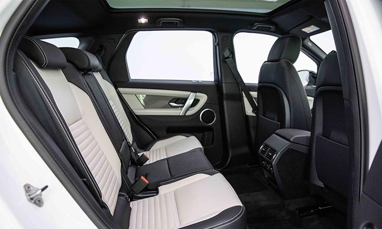ีไซน์เบาะหลัง Land Rover DISCOVERY Sport