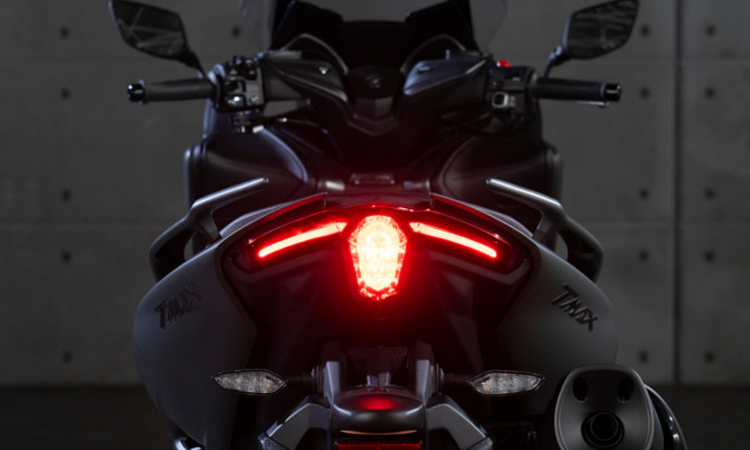 ไฟท้าย Yamaha TMAX 560