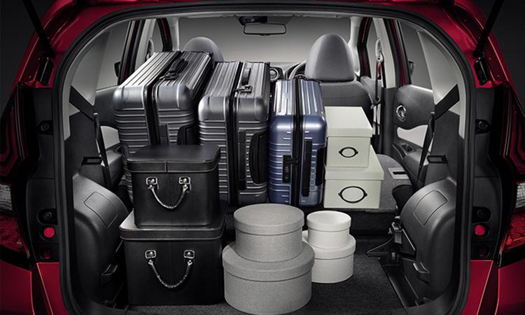 ที่เก็บของด้านหลัง Nissan NOTE N-Sport Package