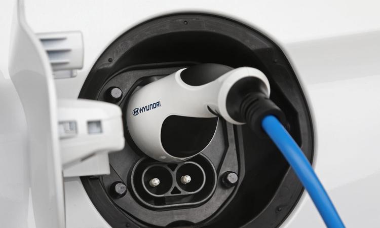 ช่องชาร์จไฟ hyundai IONIQ Electric