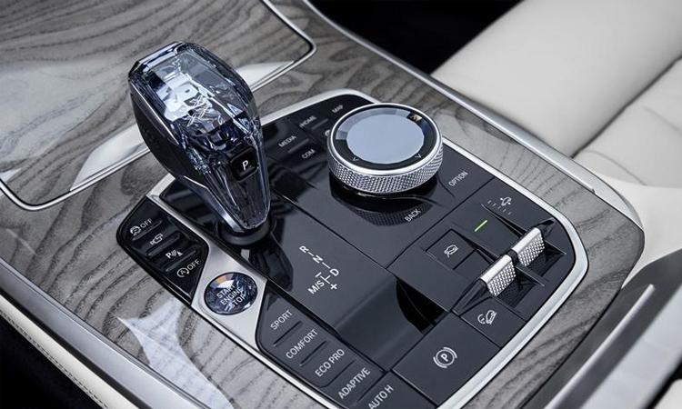 เกียร์ BMW X7 M50d