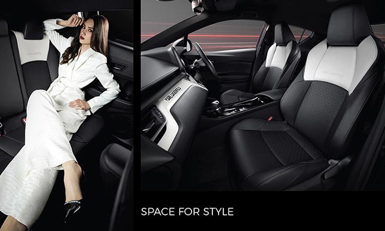 ดีไซน์ภายใน Toyota C-HR KARL LAGERFELD Hybrid High