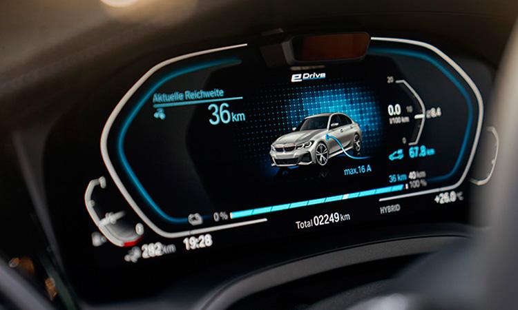 รือนไมล์ BMW 330e M Sport (Plug-in Hybrid)