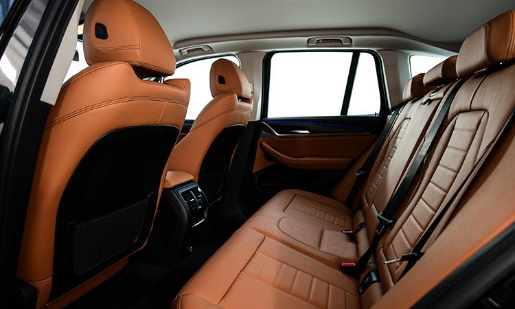 เบาะหลัง BMW X3