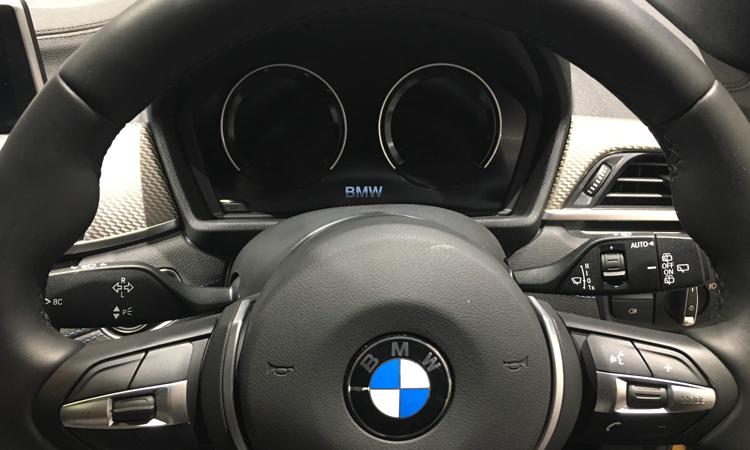 พวงมาลัย BMW X2